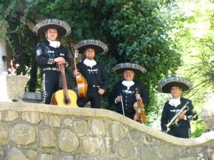 mariachis servicio de serenatas a domicilio 02-7279788
