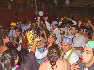 musica-dj,iluminacion,amplificacion-animacion de fiestas-matrimonios
