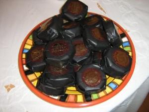 alfajores y chocolates caseros